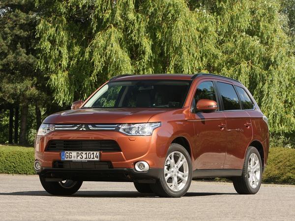 Le Mitsubishi Outlander s'offre une nouvelle boîte auto