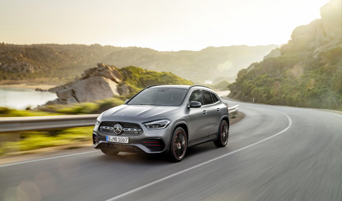 Mercedes GLA 2020 : les premières images en action