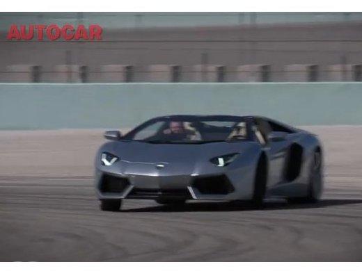 Lamborghini Aventador Roadster : premier test en vidéo