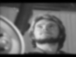 (Minuit chicanes) Un film de l'artiste Liam Gillick sur l'usine Volvo Kalmar