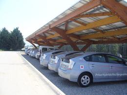 Véhicules hybrides rechargeables en France : une station solaire lancée