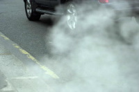Pollution auto : des associations écolos contre la proposition du Parlement européen de 125gCO2/km en 2015