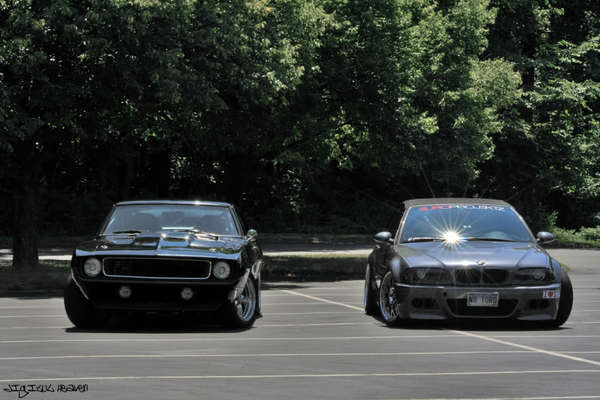 Chevrolet Camaro 69' VS BMW M3 E46, le choc des générations (et des cultures)