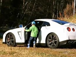 Nissan GT-R : la vidéo qui va plaire aux Porschistes