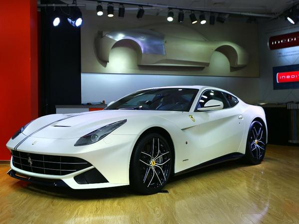 Ferrari F12 Berlinetta Polo et FF Dressage Editions