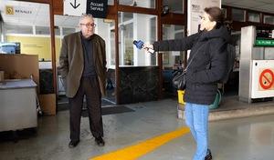 """Les ambulants du confinement – Un garage/station-service: """"On est obligé"""" de rester ouvert"""