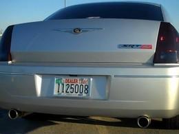 SEMA 2010 : une Chrysler 300C gobe une Viper