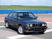 La p'tite sportive du lundi: BMW 325is E30.