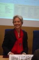 UFC-Que Choisir : à vélo ou à moto, Christine Lagarde doit demander une contribution citoyenne aux groupes pétroliers !