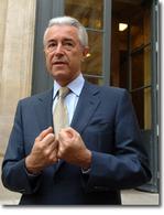 """Gilles de Robien, ministre de l'Education  Nationale : """"Ma première voiture ?  Une 4L bleue"""""""