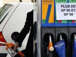 Pénurie de carburant : le gouvernement nie toujours mais prépare une riposte par la force