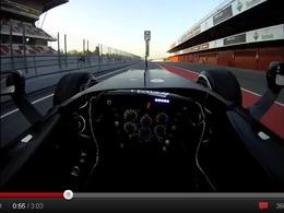 Un tour du circuit de Catalogne au volant d'une Formule 1 comme si vous y étiez