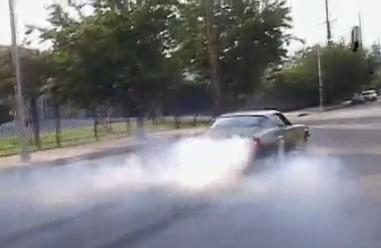 Vidéo : Les 1500 chevaux fougueux de la Camaro F-Bomb