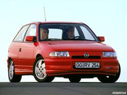 La p'tite sportive du lundi: Opel Astra GSI.