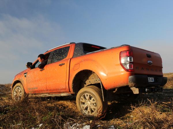 Ford Ranger Wildtrak au quotidien : jour 5, de la boue, de l'angle et du croisement de pont