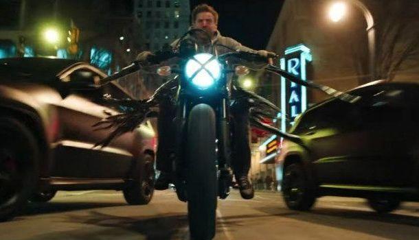Cinéma - Vidéo: Venom roule en Scrambler!