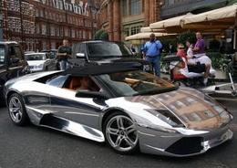 Une Lamborghini Murcielago LP640 chromée en plein centre de Londres