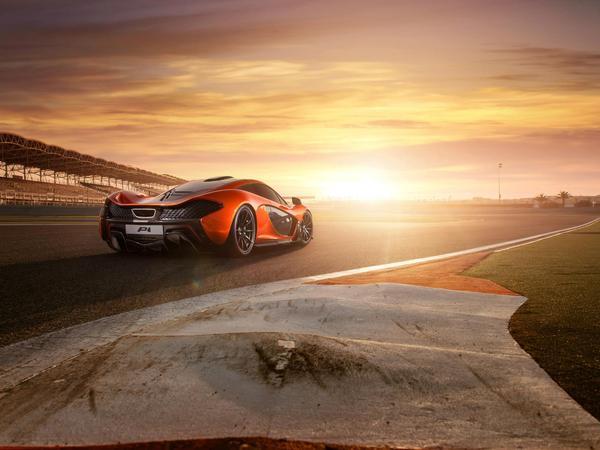 Photos : la McLaren P1 joue les top model à Bahreïn