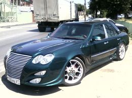 Mercedes Classe E «à la russe» : est-il possible de faire pire ?