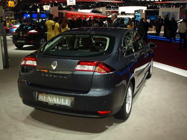 Mondial de Paris 2010 : retour sur l'étonnant restylage de la Renault Laguna