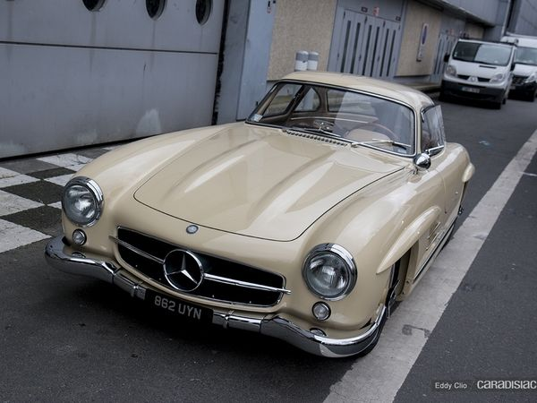 Photos du jour : Mercedes 300 SL (Rétromobile)