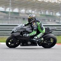 Superbike - Kawasaki: Vermeulen tourne à Sepang et Talmacsi aussi