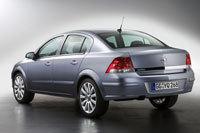 Une Opel Astra coffrée