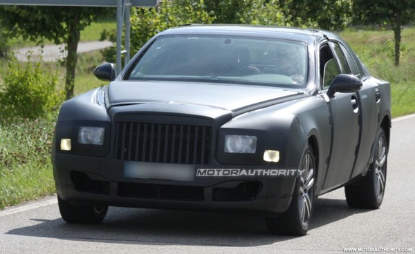Spyshot : l'imminente grande Bentley se promène encore