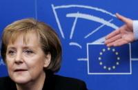 Débat/associations écolos : Angela Merkel est contre la pollution et pour l'industrie automobile...