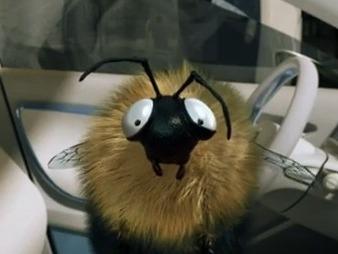 Luc Besson et Renault s'associent pour une campagne de pub électrique