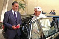 La parc auto du pape s'agrandit