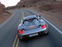 Une Porsche Carrera GT emboutie par un policier, une lourde facture pour la ville