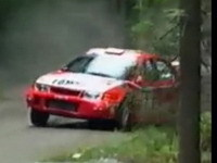 La leçon de pilotage: Tommi Mäkinen sur Evo 6 en Finlande en 1999.