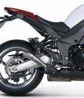 Akrapovic habille de titane la Kawasaki Z1000 millésime 2010.