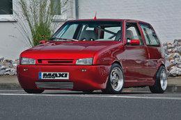 Fiat Uno Turbo IE, façon Novitec (mais en moins bien)