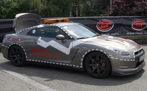 Nürburgring Rapid Response Nissan GT-R : Secours (très) rapides