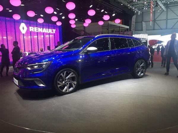 Renault Mégane Estate : galbée - Vidéo en direct du salon de Genève 2016 + premier live