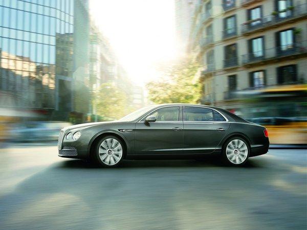 Genève 2013 : Bentley Flying Spur officielle, ce n'est plus une Continental