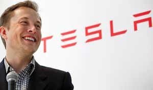 "Carlos Ghosn tire ""son chapeau"" à Elon Musk (Tesla)"