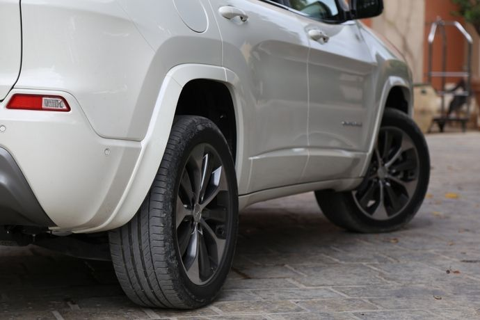 Photo Jeep Cherokee 4