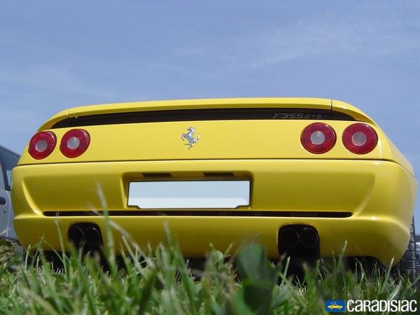 Photo Ferrari F355
