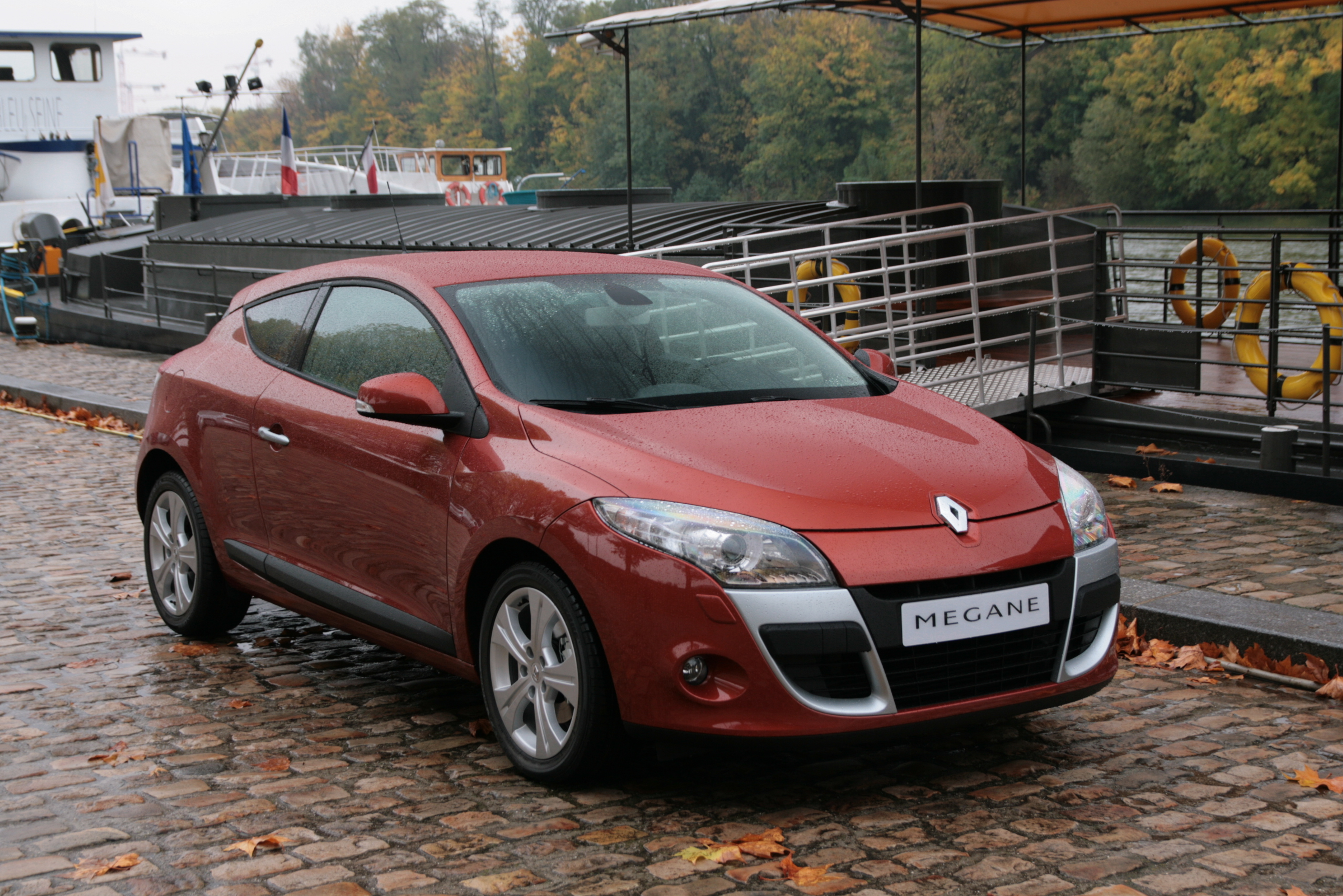renault megane 3 coupe 2012 renault megane iii coupe pictures information and 2010 renault. Black Bedroom Furniture Sets. Home Design Ideas