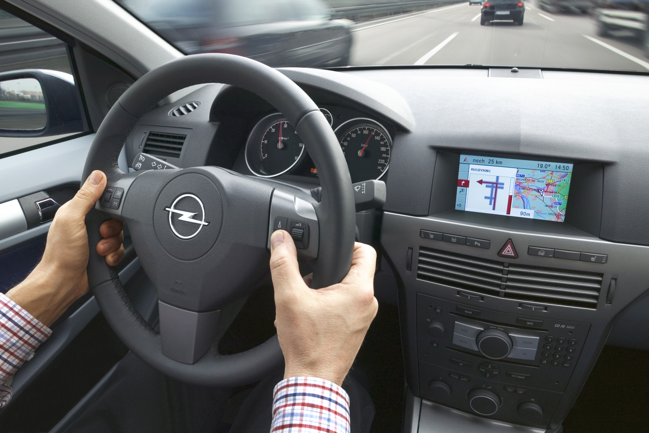 Photos opel astra 3 break for Opel astra h interieur
