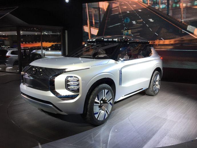 Photo Mitsubishi Engerberg Tourer Concept