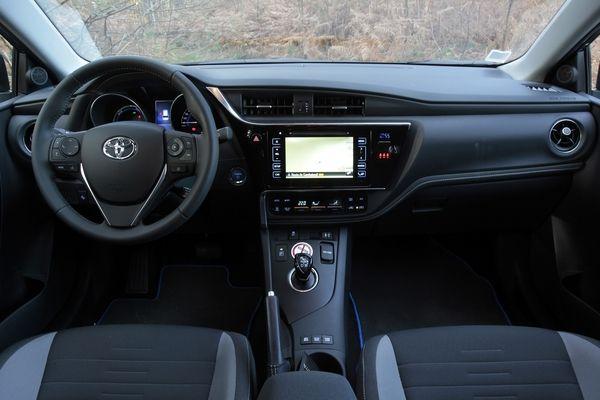 Photo Toyota Auris 2 Touring Sports
