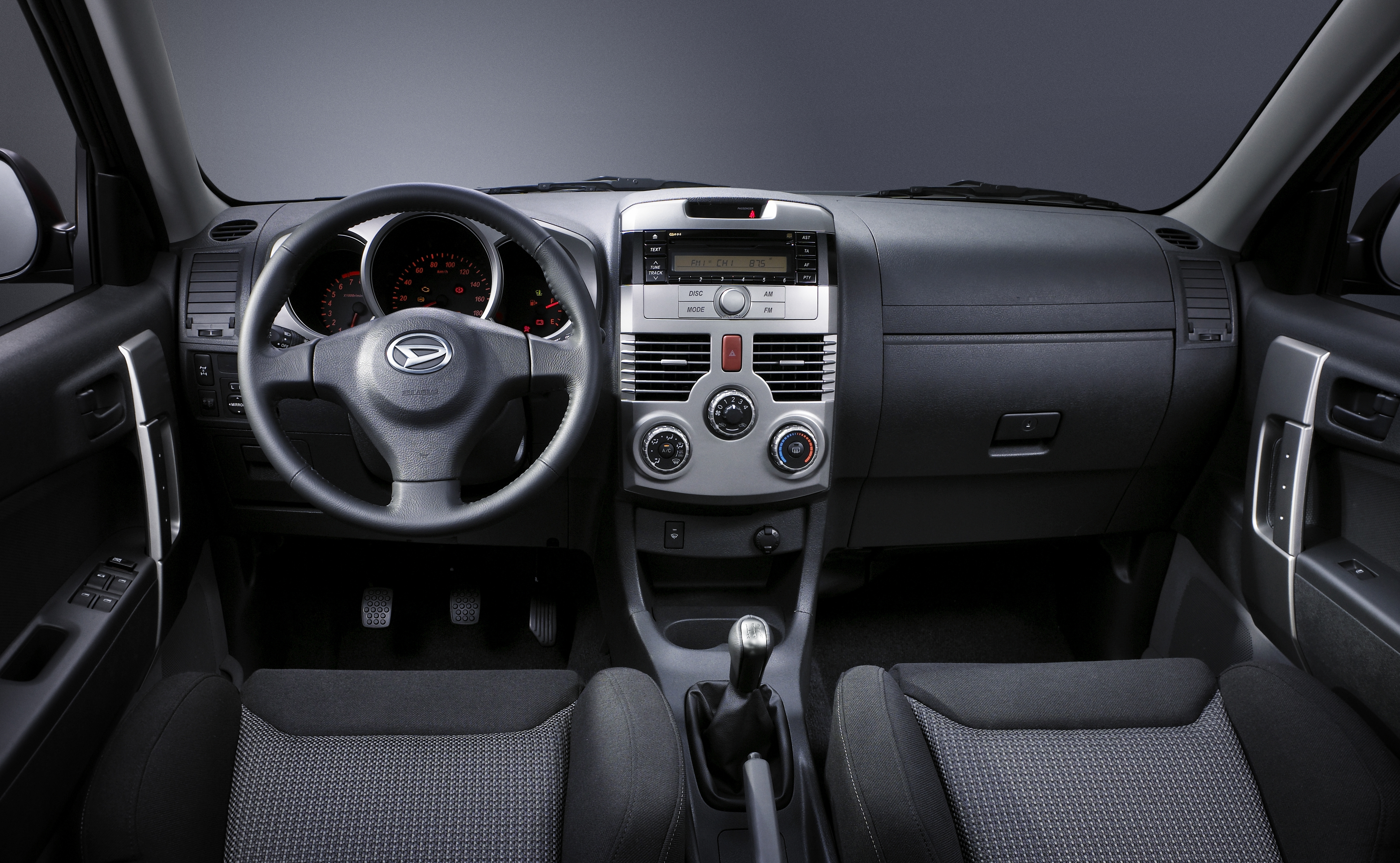 Photos daihatsu terios 2 for Tableau interieur