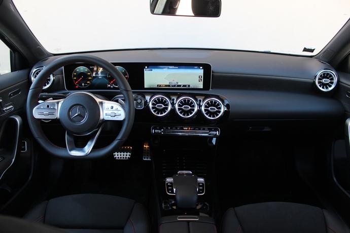 Photo Mercedes Classe A 4 Berline