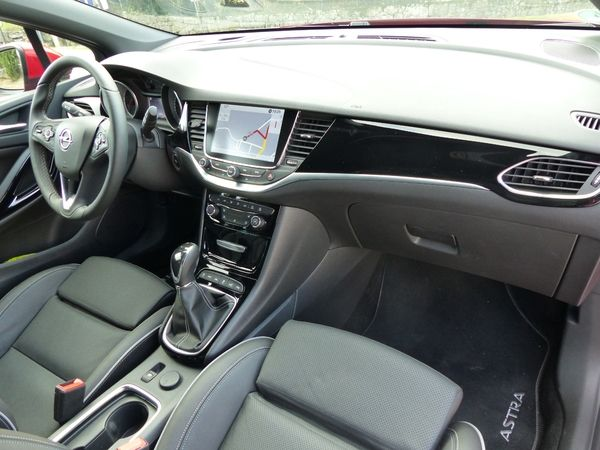 Photo Opel Astra 5 Sports Tourer