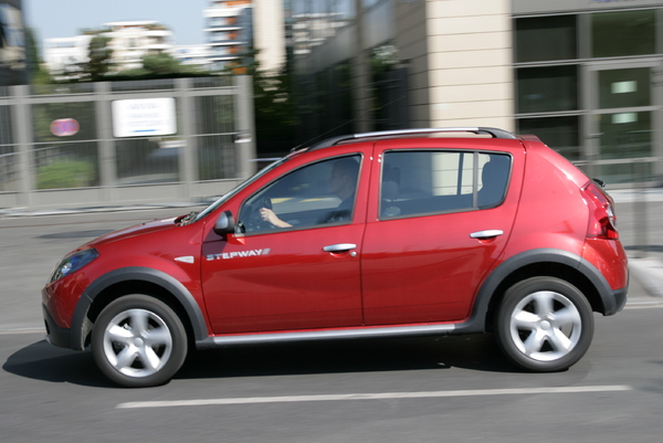 photos dacia sandero stepway. Black Bedroom Furniture Sets. Home Design Ideas