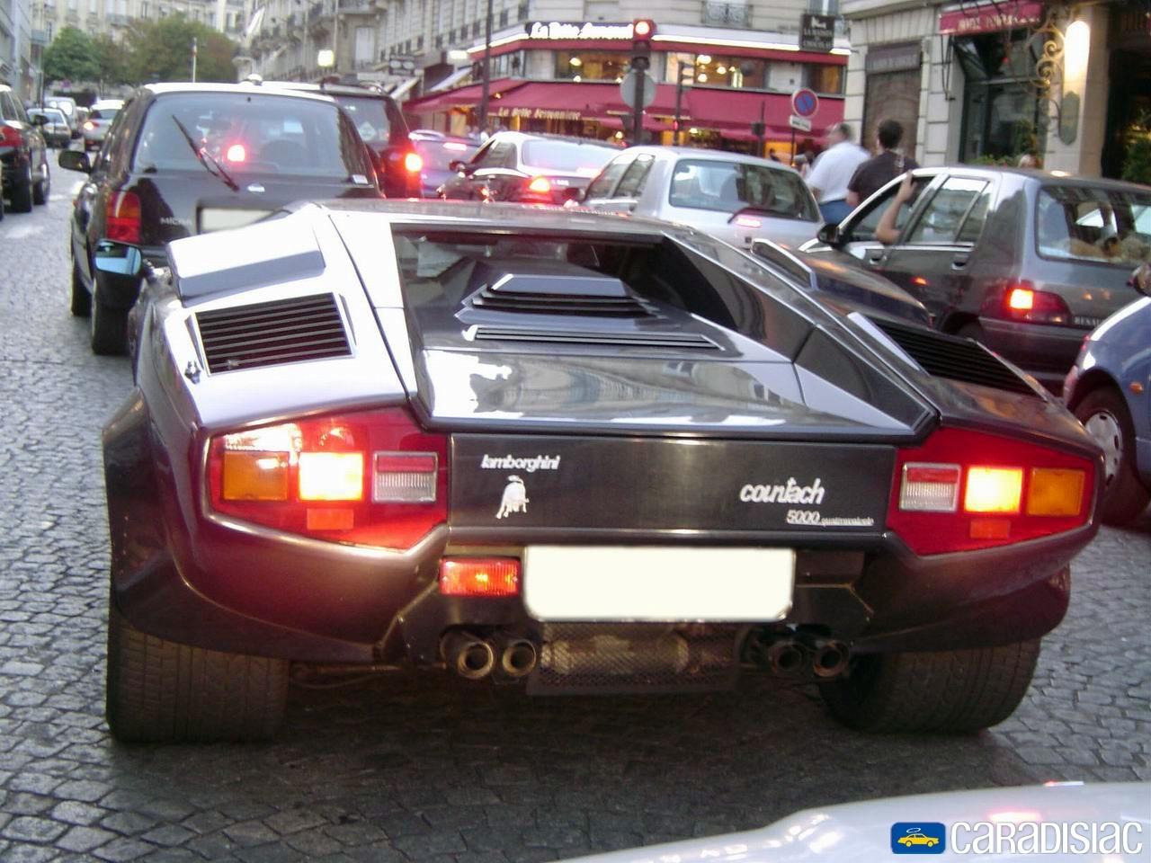 photos lamborghini countach. Black Bedroom Furniture Sets. Home Design Ideas